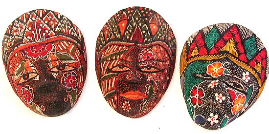 Handcrafted paintings, wooden mask, tribal art decor, wall decoration, painted masks, artisan handicrafts